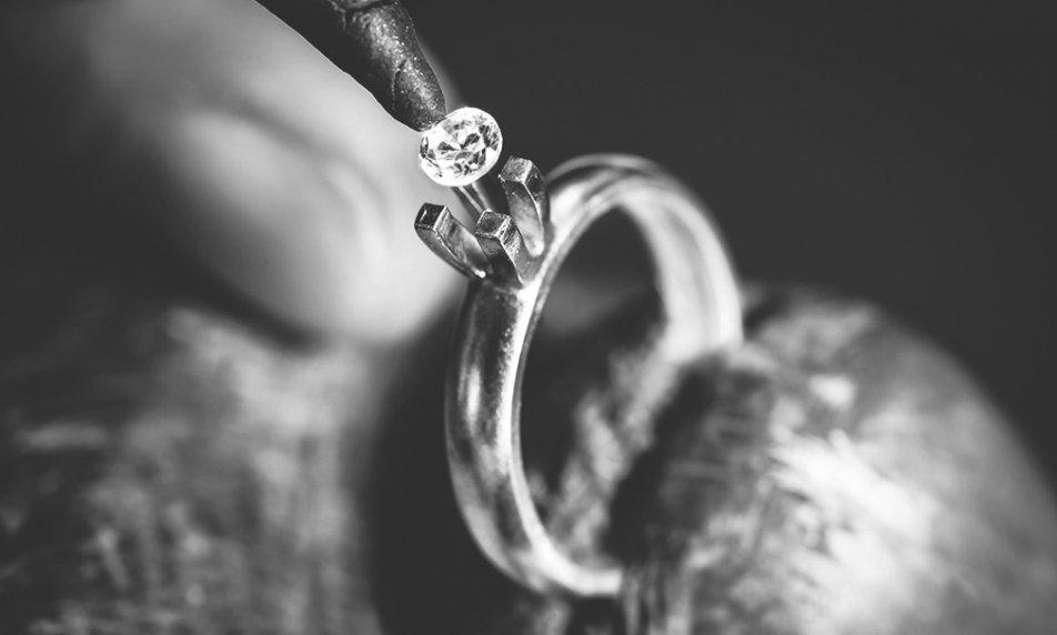 תליוני יהלומים